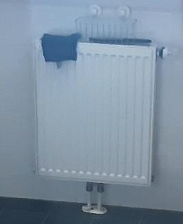 https://i.postimg.cc/bN7nv5HB/Radiator-badkamer-hoogste-plek-in-circuit.png