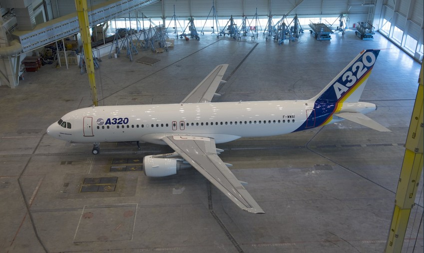 https://www.luchtvaartnieuws.nl/sites/default/files/website_633x300/slider-technologie/a320-original_1cairbus-850.jpg
