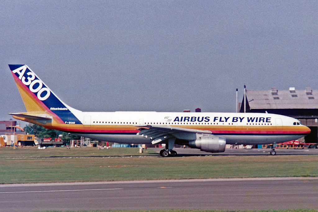 https://upload.wikimedia.org/wikipedia/commons/thumb/5/57/F-BUAD_A300B2-C1_Airbus_Industry%283rd_prototype%29_Farnborough_SEP86_%2812609347665%29.jpg/1024px-F-BUAD_A300B2-C1_Airbus_Industry%283rd_prototype%29_Farnborough_SEP86_%2812609347665%29.jpg