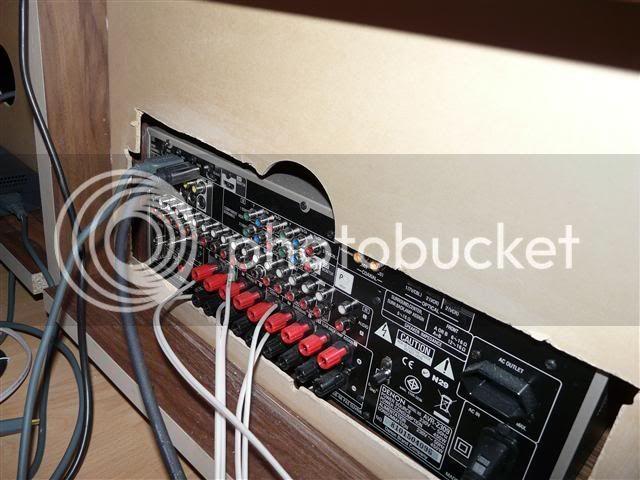 http://i231.photobucket.com/albums/ee38/SlasZ/Home%20Cinema/New%20setup/Small/P1050098Small.jpg