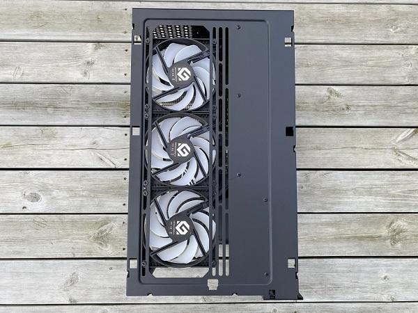 https://techgaming.nl/image_uploads/reviews/Metallic-Gear-Neo-Qube/Neo-Qube%20(28).JPEG