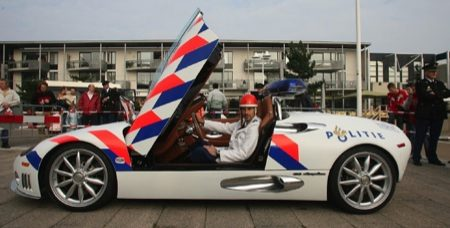 http://static.autoblog.nl/images/wp/Spyker_C8_Spyder_politieman.jpg