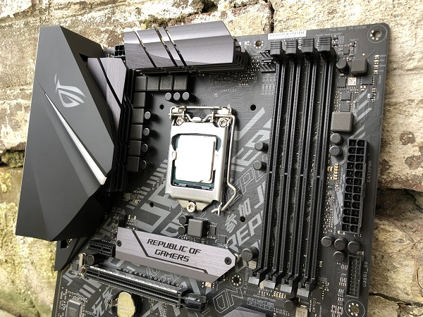 http://techgaming.nl/image_uploads/reviews/Asus-ROG-Strix-H370-F/bestand%20(19).jpg