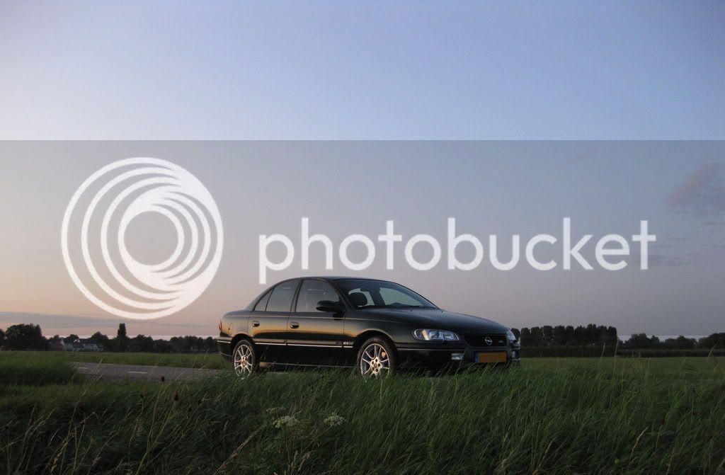 http://i735.photobucket.com/albums/ww356/Busteronyx/01_Omega/2009_08_21/IMG_2105modded.jpg