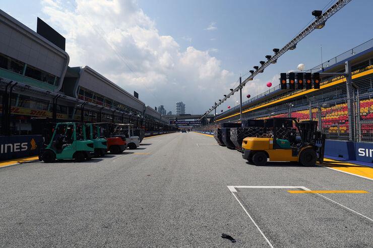 https://imgr2.auto-motor-und-sport.de/Impressionen-GP-Singapur-Formel-1-Mittwoch-13-09-2017--fotoshowBig-a75a8514-1118301.jpg