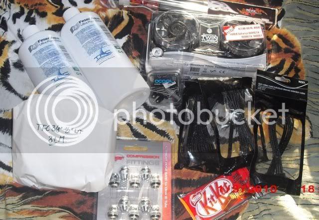 http://i703.photobucket.com/albums/ww40/evil_homer/CIMG1341.jpg