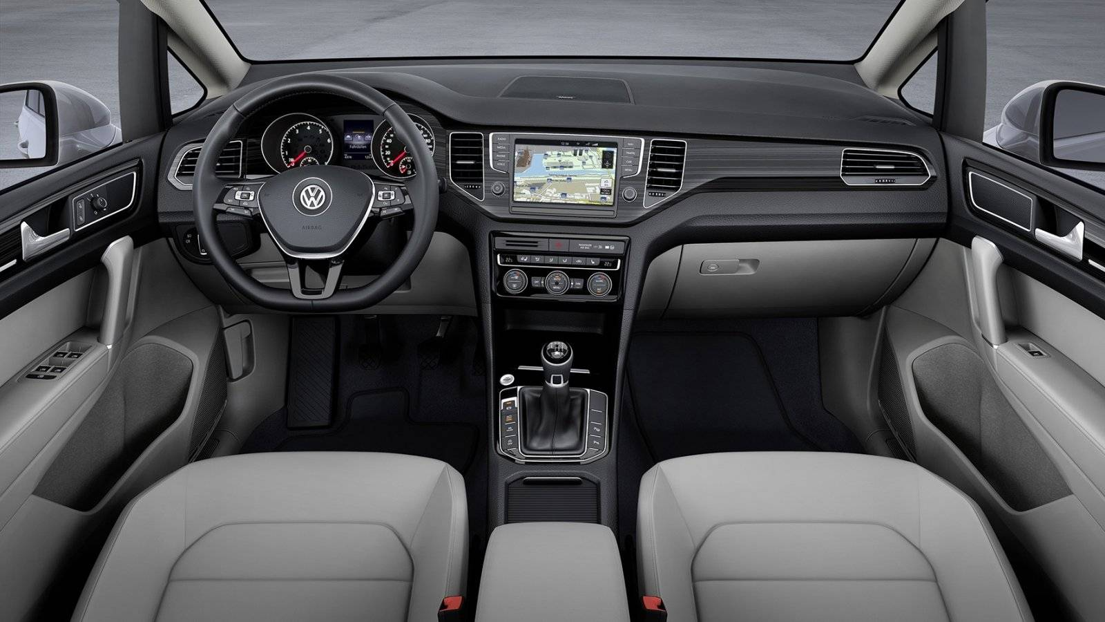 http://images.autowereld.com/high/77827-vw-golf-sportsvan-4.jpg