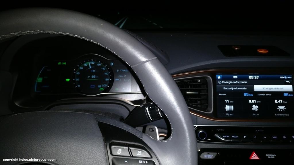 https://www1.picturepush.com/photo/a/15928789/1024/Hyundai-Ioniq-Electric/IMG-20171207-053901.jpg