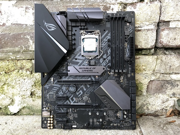 http://techgaming.nl/image_uploads/reviews/Asus-ROG-Strix-H370-F/bestand%20(16).jpg
