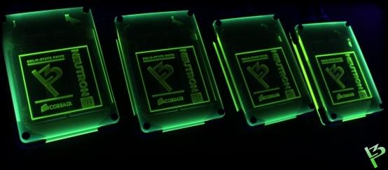 http://www.l3p.nl/files/Hardware/Raz3rD3sk/Progress/159%20%5B550xl3p%5D.JPG