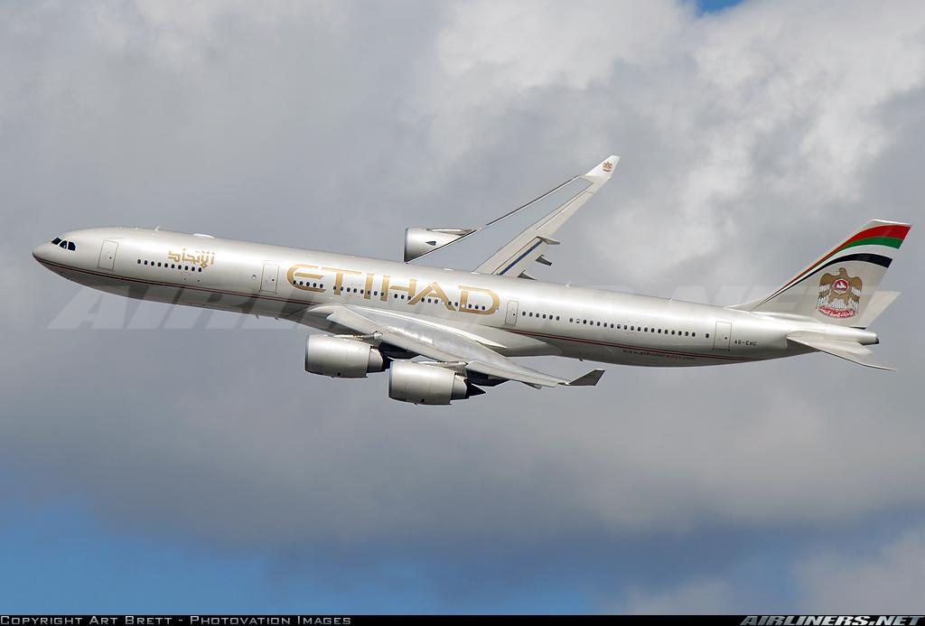 http://cdn-www.airliners.net/aviation-photos/photos/4/6/0/1319064.jpg