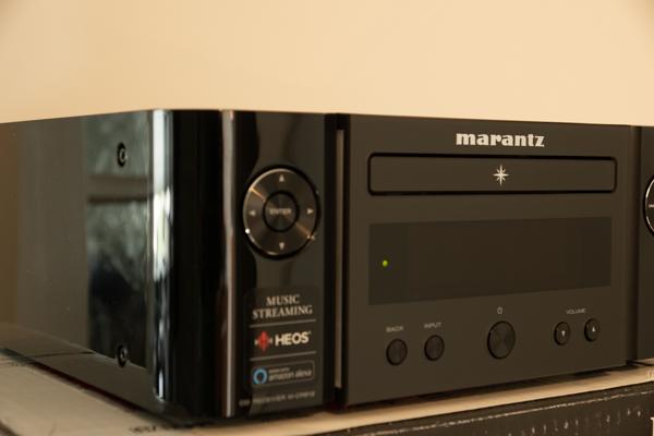 http://www.nl0dutchman.tv/reviews/marantz-m-cr612/1-142.jpg
