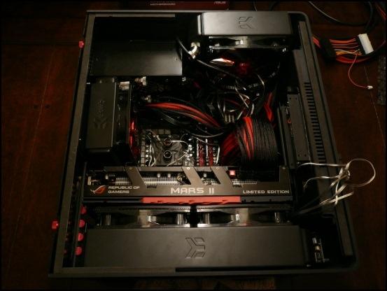http://www.l3p.nl/files/Hardware/L3pL4n/Asus%20MARS%20II/P1090450%20%5B550x%5D.JPG