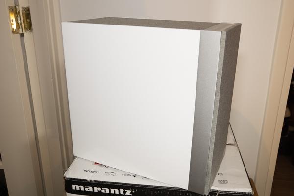 http://www.nl0dutchman.tv/reviews/marantz-m-cr612/1-159.jpg