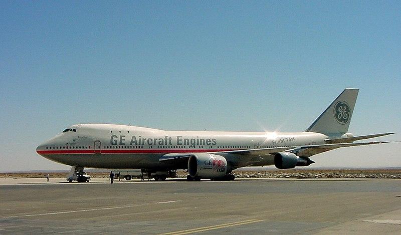 https://upload.wikimedia.org/wikipedia/commons/thumb/0/07/Ge-747-N747GE-020918-03.jpg/800px-Ge-747-N747GE-020918-03.jpg