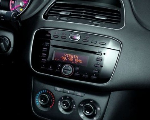 https://www.car-interface.com/vendita/img/cms/AUTORADIO/FIAT%20AUTORADIO/Punto%202012.jpg