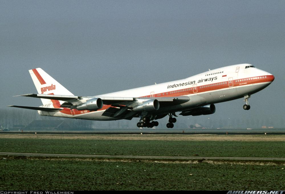 http://imgproc.airliners.net/photos/airliners/1/0/0/3895001.jpg?v=v4b7c512da1c