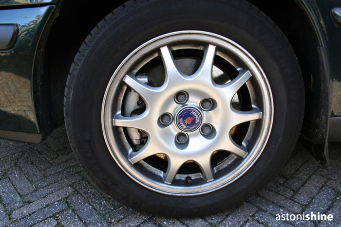 http://static.dennisenderink.nl/ad/saab_93_1009/voor3.jpg