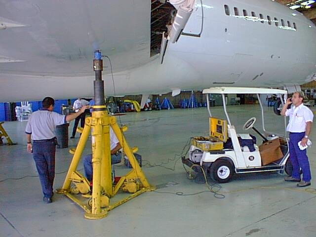 http://www.aircraftscales.com/images/640_727_Service.jpg
