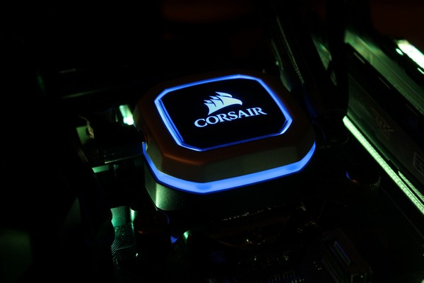 http://www.rooieduvel.nl/reviews/Corsair/H115i_Pro/Pics/IMG_4414.JPG