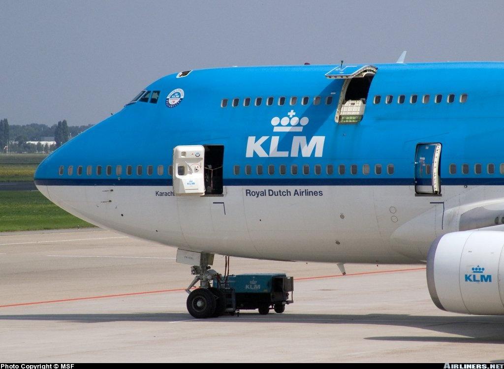 http://cdn-www.airliners.net/aviation-photos/photos/6/4/1/0635146.jpg