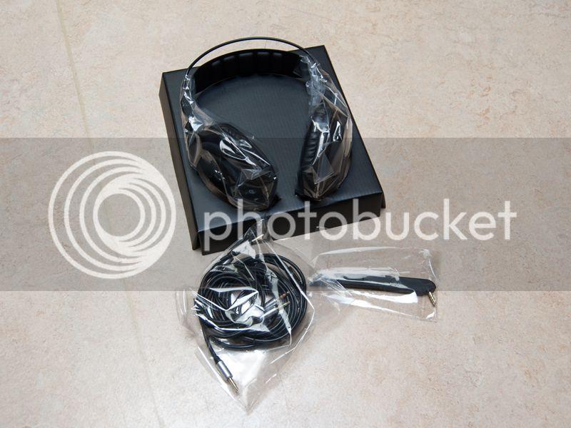 http://i1269.photobucket.com/albums/jj583/ianovski/Bitfenix%20Flo/4_zps7c13e1e7.jpg~original