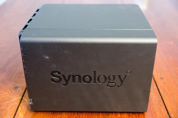http://www.nl0dutchman.tv/reviews/synology-416play/1-22.jpg