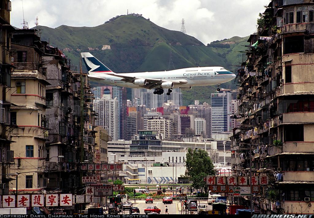 http://cdn-www.airliners.net/photos/airliners/2/8/9/1505982.jpg?v=v40