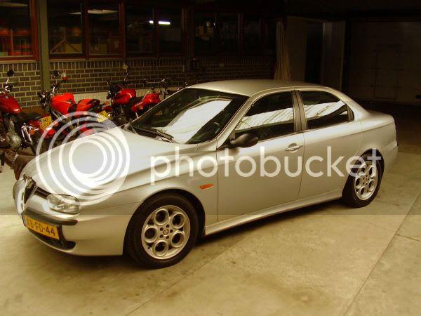http://i109.photobucket.com/albums/n73/k0ewl/Cars/Alfa%20Romeo%20156%20TS/P7270004.jpg