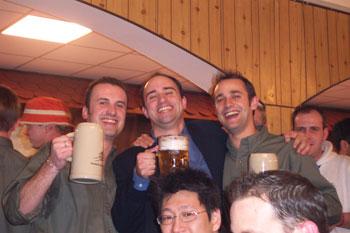http://img.hexus.net/v2/internationalevents/cebit_hannover_2005/store/allfriends.jpg