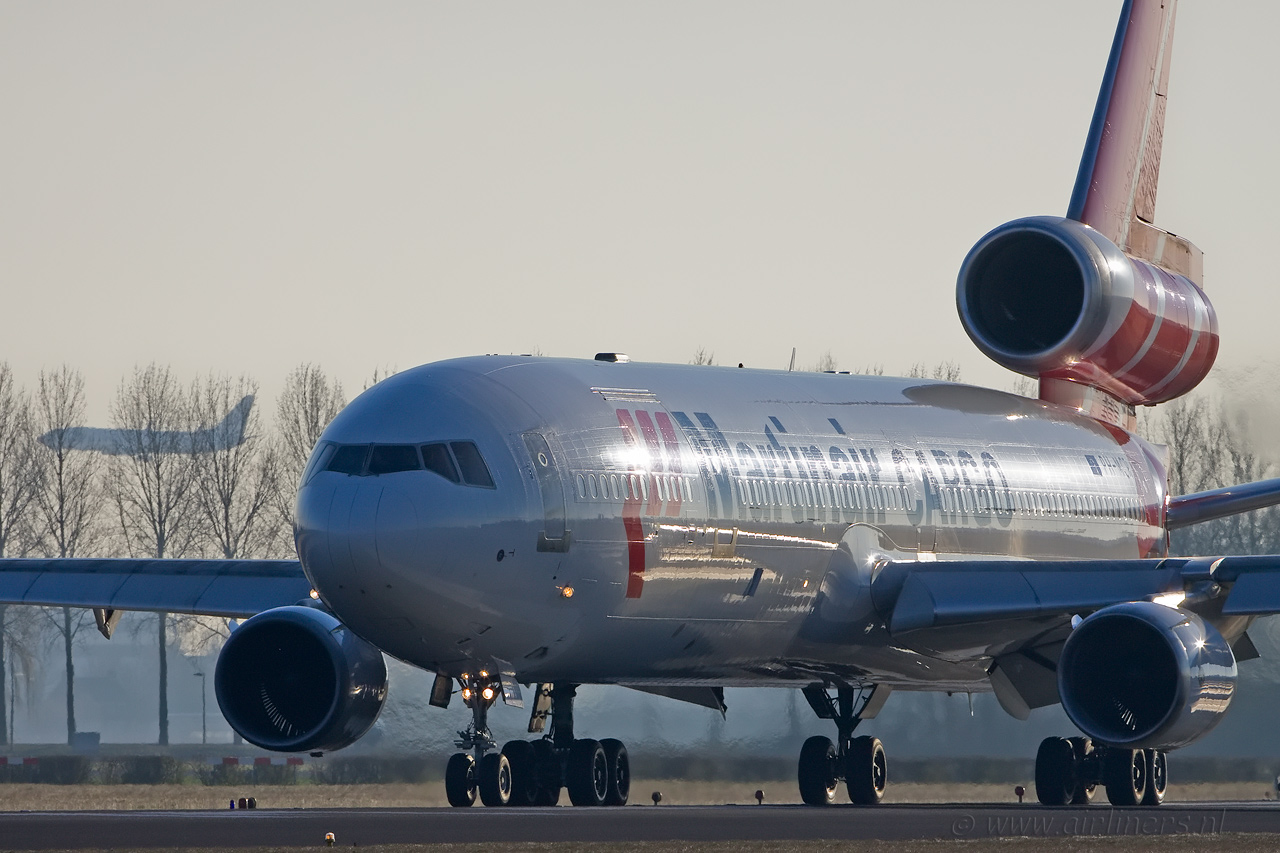 http://www.airliners.nl/images2007/261208-Martinair-MD-11.jpg