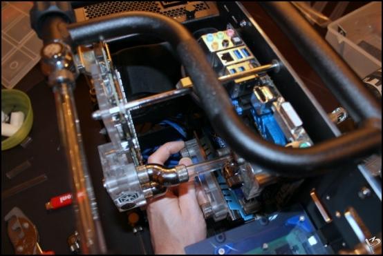 http://www.l3p.nl/files/Hardware/L3peau/Buildlog/155%20%5B550xl3pw%5D.JPG