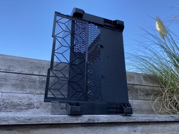 https://techgaming.nl/image_uploads/reviews/Metallic-Gear-Neo-Qube/Neo-Qube%20(14).JPEG