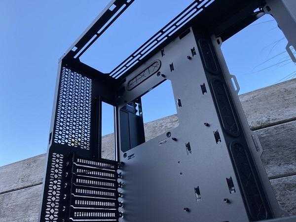 https://techgaming.nl/image_uploads/reviews/Metallic-Gear-Neo-Qube/Neo-Qube%20(21).JPEG