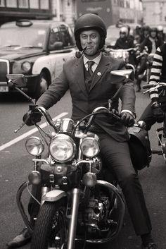 https://i.pinimg.com/236x/77/87/74/778774561c16588aa28633d9e3b2c6a4--motorcycle-fashion-classic-bikes.jpg