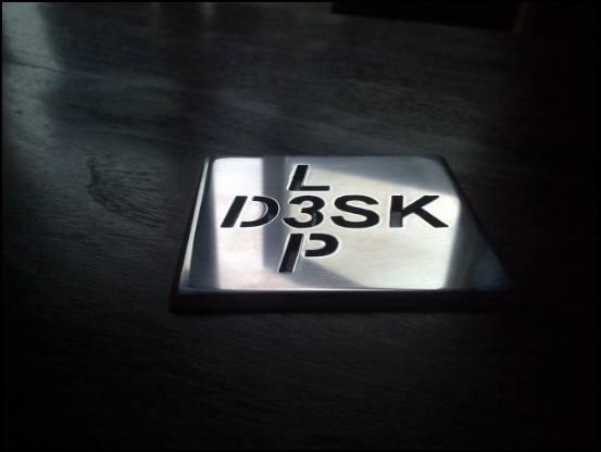 http://www.l3p.nl/files/Hardware/Deskmod/Progress/550px/07082010250%20%5B550x%5D.jpg