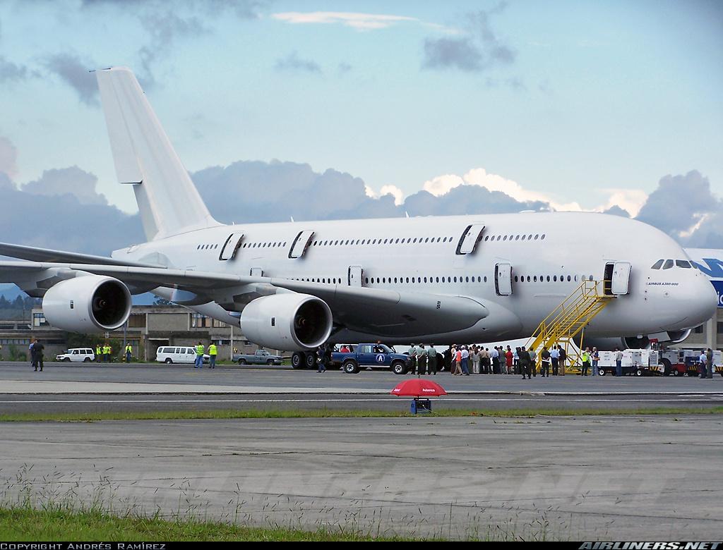 http://cdn-www.airliners.net/aviation-photos/photos/1/0/2/1188201.jpg