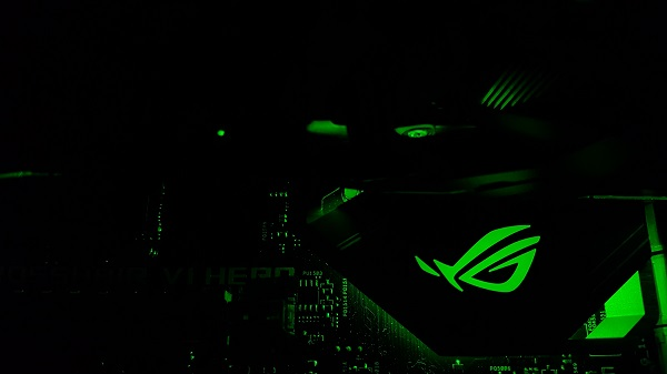 http://techgaming.nl/image_uploads/reviews/Asus-ROG-Crosshair-VI-Hero/LED%20(6).jpg