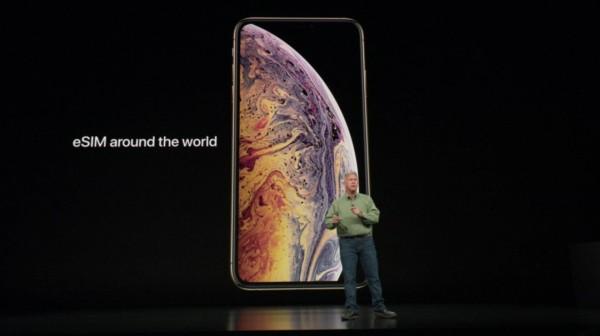https://www.kiswum.com/wp-content/uploads/Apple_120918/iPhone021-Small.jpg