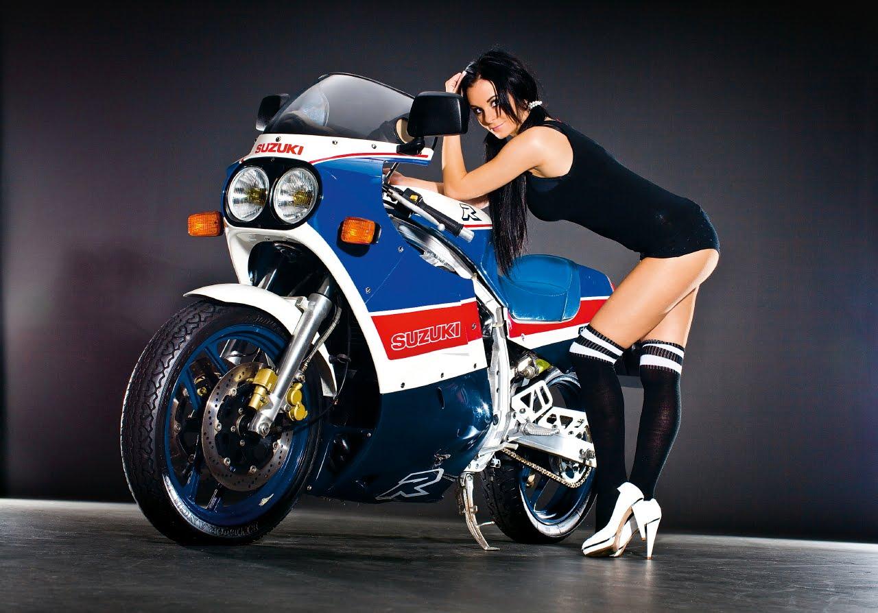https://3.bp.blogspot.com/_OuewUENaelQ/TFrhqWedapI/AAAAAAAAAfw/rHEeImBCCtY/s1600/GSX-R750R-sexy-girl.jpg