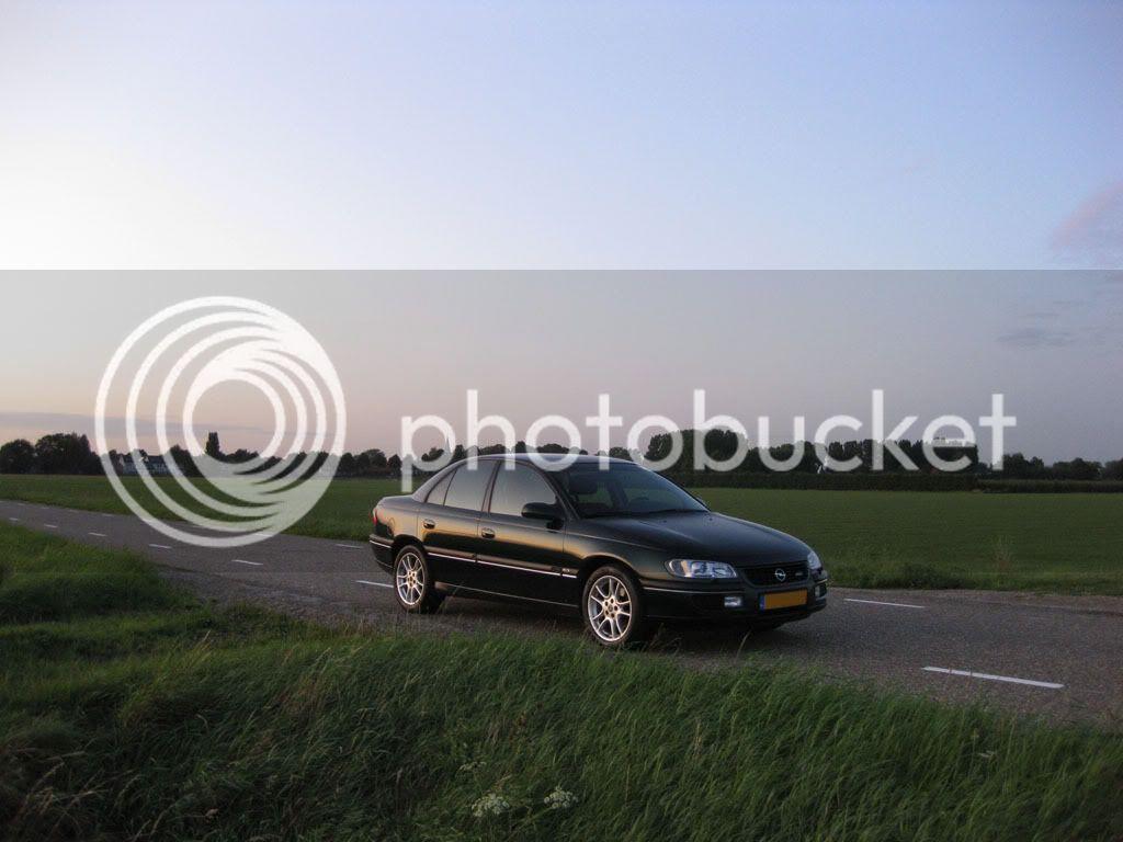 http://i735.photobucket.com/albums/ww356/Busteronyx/01_Omega/2009_08_21/IMG_2100modded.jpg