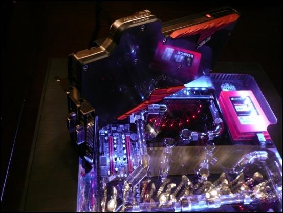 http://www.l3p.nl/files/Hardware/L3pL4n/Asus%20MARS%20II/Custom%20Block/Finished/P1120759%20%5B550x%5D.JPG