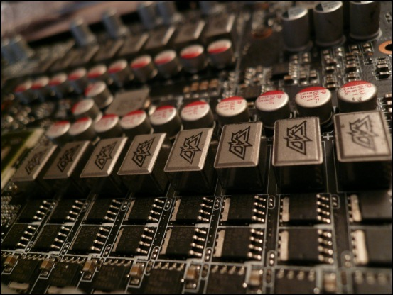 http://www.l3p.nl/files/Hardware/L3pL4n/Asus%20MARS%20II/P1090539%20%5B550x%5D.JPG