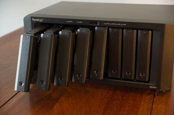 http://www.nl0dutchman.tv/reviews/synology-ds1817/1-48.jpg