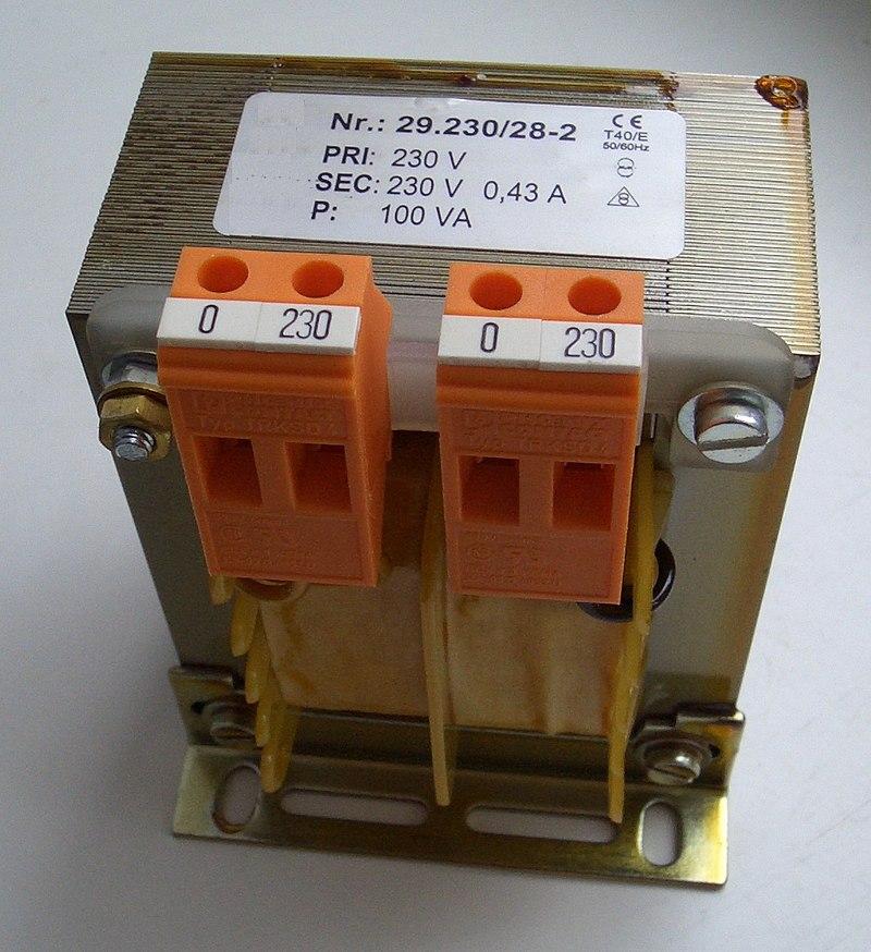 https://upload.wikimedia.org/wikipedia/commons/thumb/3/36/Trenntransformator.jpg/800px-Trenntransformator.jpg