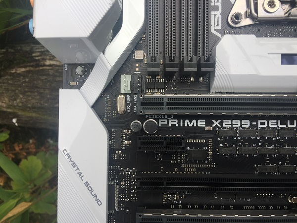 http://techgaming.nl/image_uploads/reviews/Asus-X299-Deluxe/Bestand%20(21).JPG