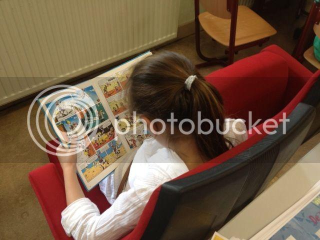 http://i166.photobucket.com/albums/u91/sjieto/stoelen/file_zps4801ba47.jpg