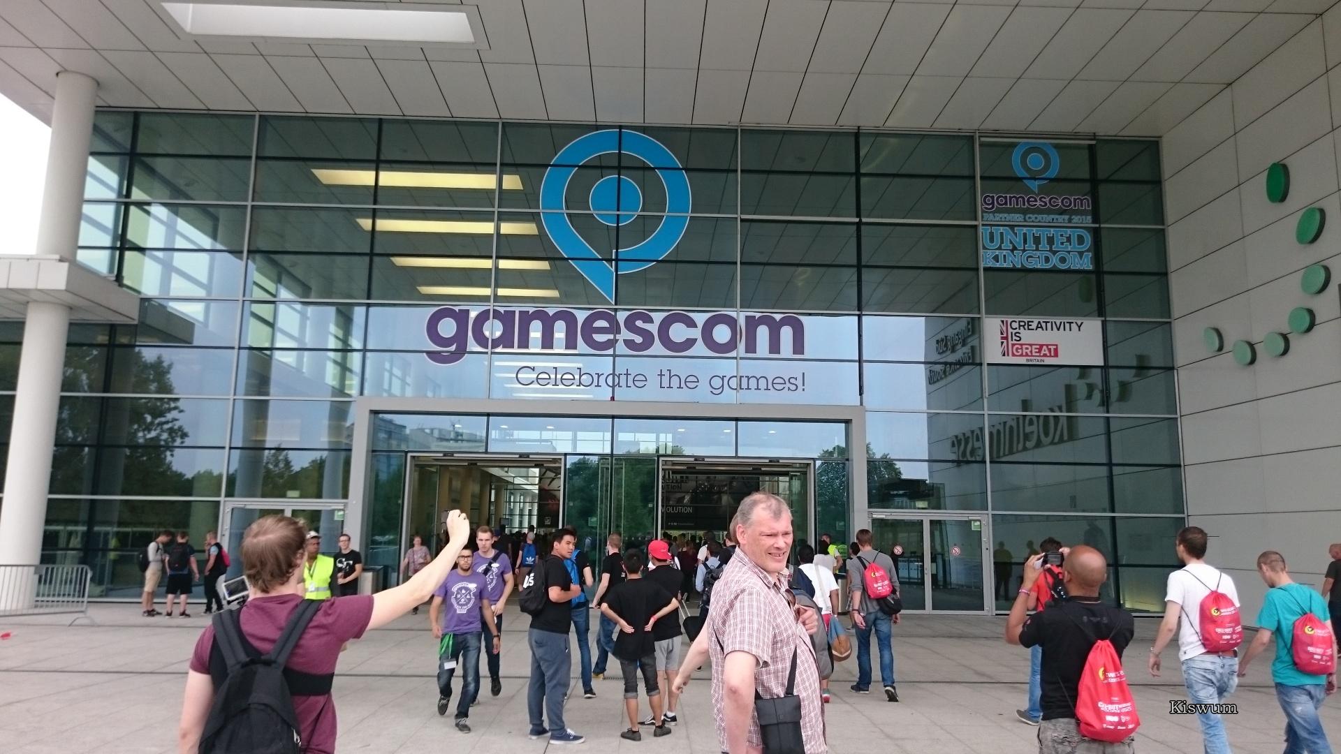 http://www.kiswum.com/wp-content/uploads/Gamescom_2015/DSC_2434.jpg