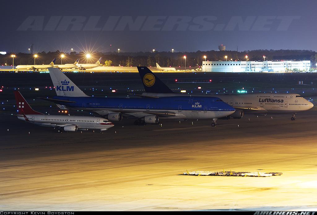 http://cdn-www.airliners.net/aviation-photos/photos/0/1/8/1687810.jpg
