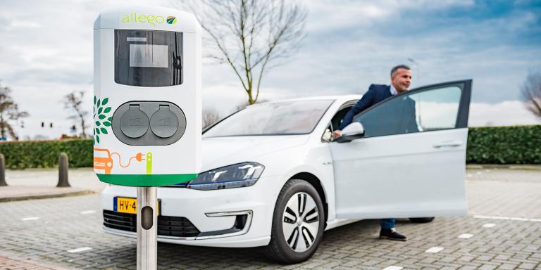 https://www.electrive.com/wp-content/uploads/2018/07/leaseplan-allego-charging-station-ladestation-768x384.png